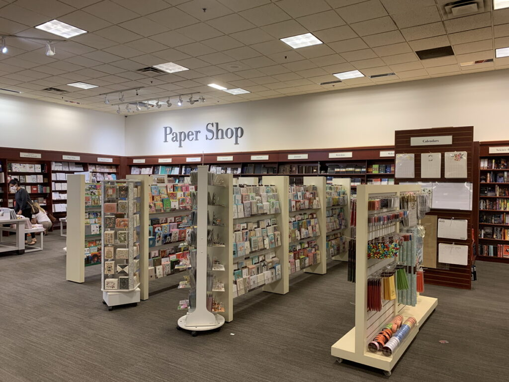 Chapters 店内