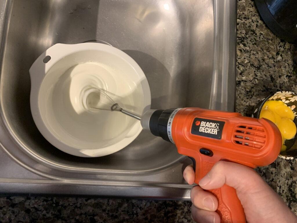 ホイップクリーム作り